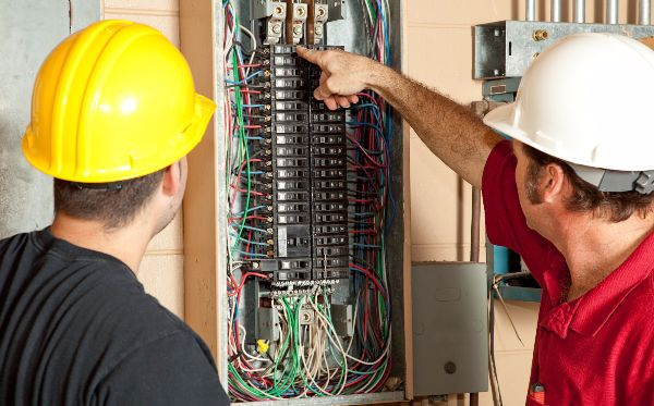 Electrical Technologies Adult Education Program | ACWHCC